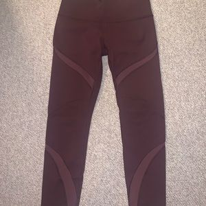 Lululemon High Times Bordeaux Drama mesh sz 10